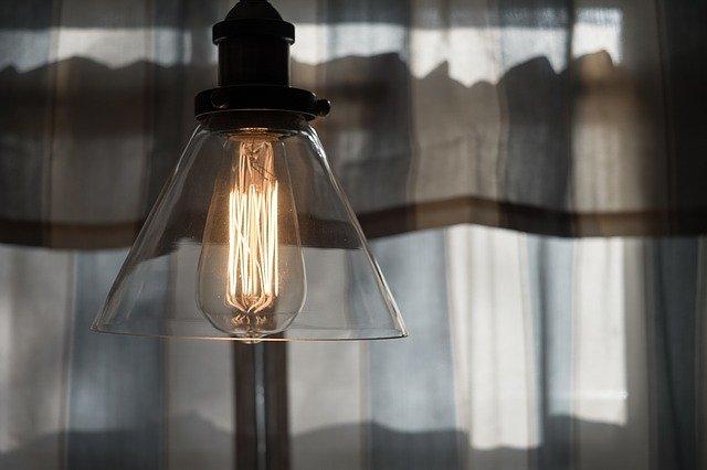 skleněný kryt žárovky