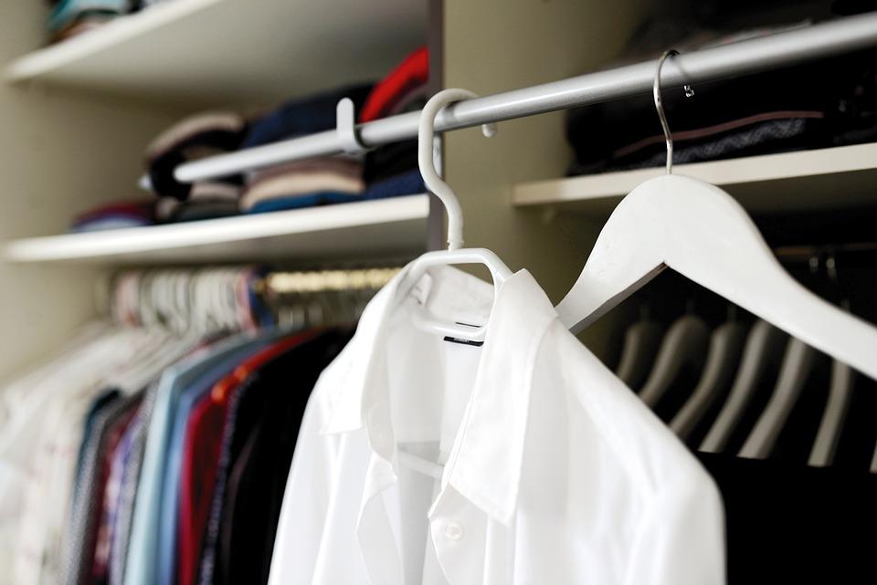wardrobe-5961193_960_720